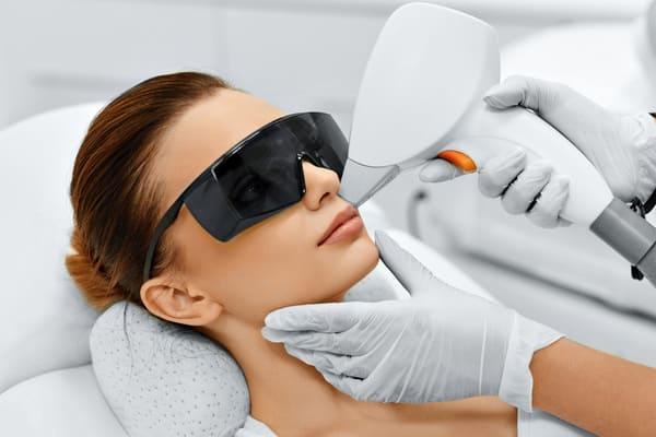 Процедура лазерной косметологии